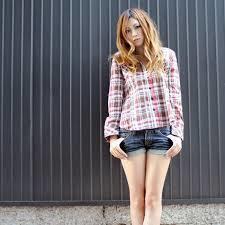 ネルシャツはレディースナチュラルやカジュアルコーデにおすすめ!のサムネイル画像