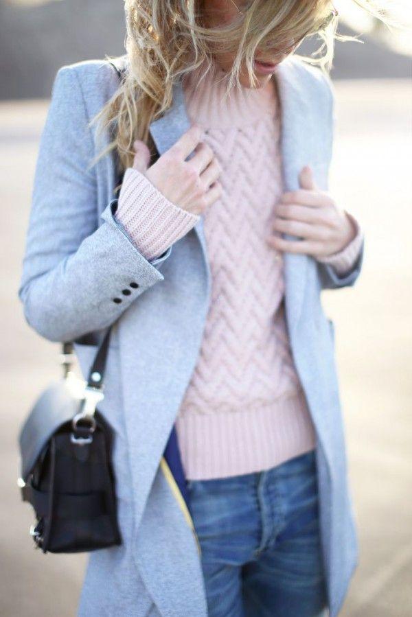 【青のコート】様々な色合いのブルーのコートがかわいいっ♪のサムネイル画像