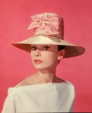 最高にキュート♡素敵な50年代ファッションにみんなが夢中!のサムネイル画像