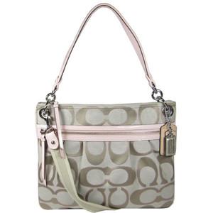 人気ブランドのレディースバッグをご紹介☆人気のデザインは?のサムネイル画像