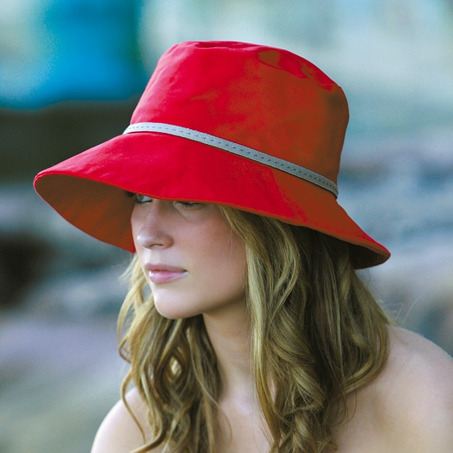 おしゃれなキャップや帽子をご紹介します☆人気のデザインは?のサムネイル画像