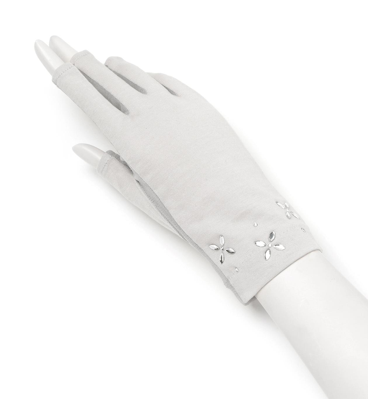色んなシーンのレディース手袋大特集☆防寒、UV、ウエディング使用ものサムネイル画像
