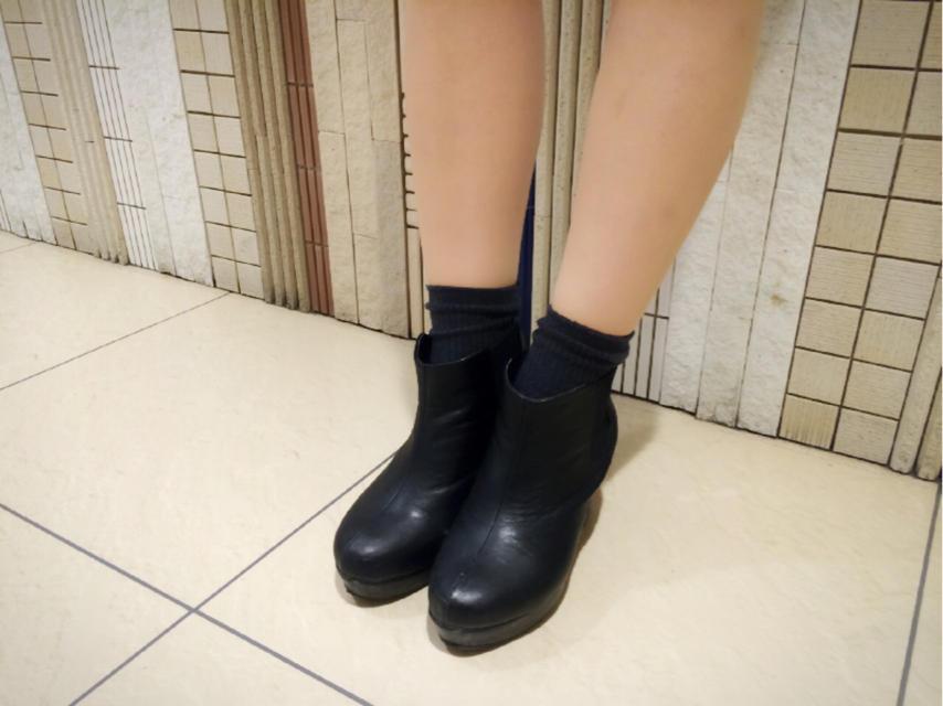 ブーティ×靴下が絶対かわいい♡コーデを参考にしてみて下さい♡のサムネイル画像