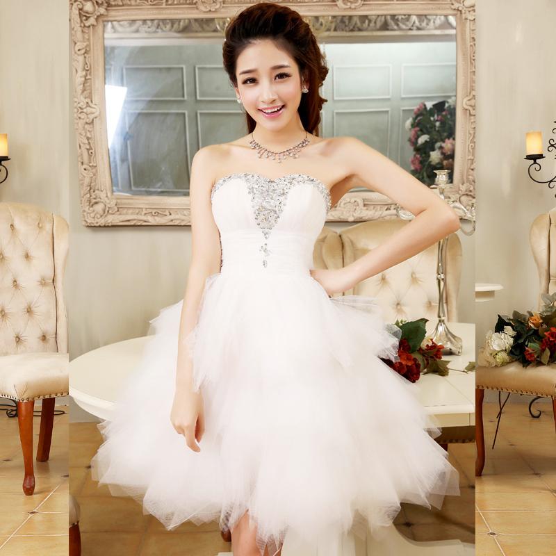 おしゃれで素敵な結婚式の花嫁さんのドレス♡皆さんは何色が好き?のサムネイル画像