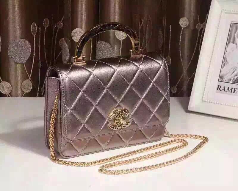 おしゃれなレディースのバッグをご紹介☆皆さんの好きなブランドは?のサムネイル画像