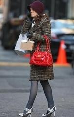 清楚系のファッションにベストな鞄?!人気のレディース鞄☆のサムネイル画像