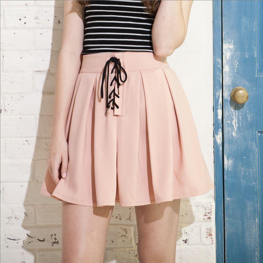 ミニ丈のプリーツスカートでおしゃれに!可愛いコーディネート集のサムネイル画像
