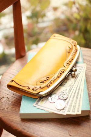 【レディース財布はやっぱりブランド?人気ランキングを教えちゃう】のサムネイル画像