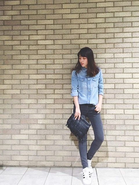 【レディースのシャツ】は絶対使えるファッションアイテム♡のサムネイル画像