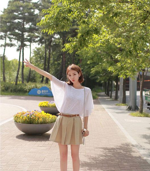 レディースのTシャツはコーデに取り入れやすい♡そしてオシャレ♡のサムネイル画像