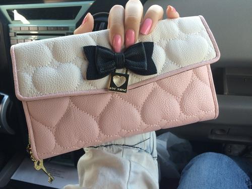 お財布をオシャレにレディースブランドの人気★財布はどれがいい?のサムネイル画像