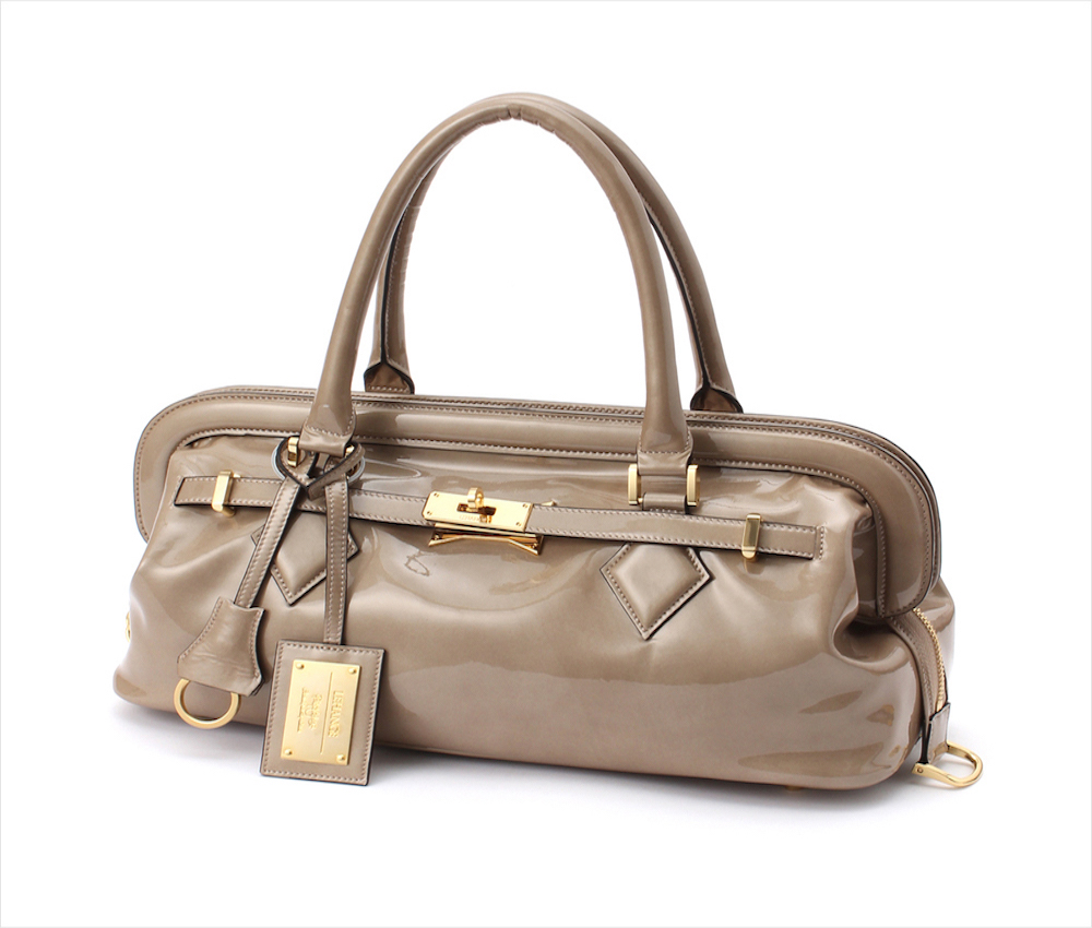 レディースのおしゃれでかわいいエナメルバッグを紹介します☆のサムネイル画像