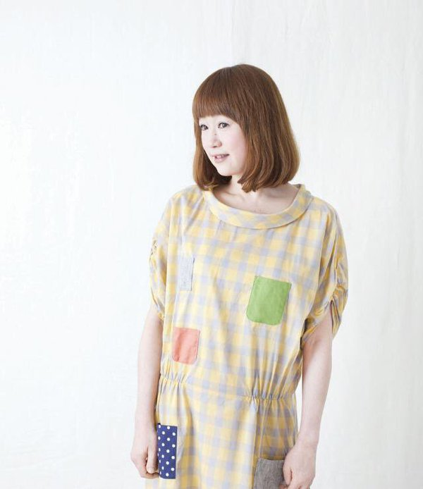 キュートでナチュラルなファッションは、山瀬まみさんをお手本に!のサムネイル画像