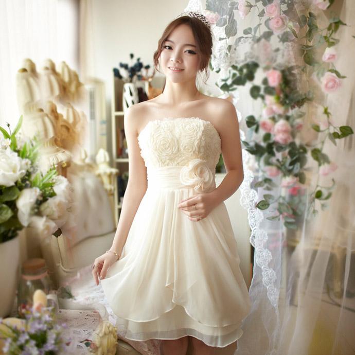 色々なシーンでのおしゃれなドレスを着た写真をご紹介します♡のサムネイル画像