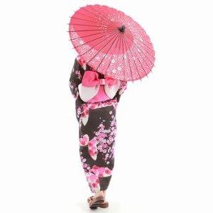急な雨や晴れの日の紫外線に困る前に、和傘や雨傘を使いましょう!!のサムネイル画像