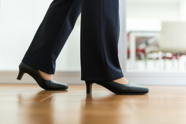 お仕事用靴に最適!働く女性に人気のブランドビジネスシューズとは?のサムネイル画像