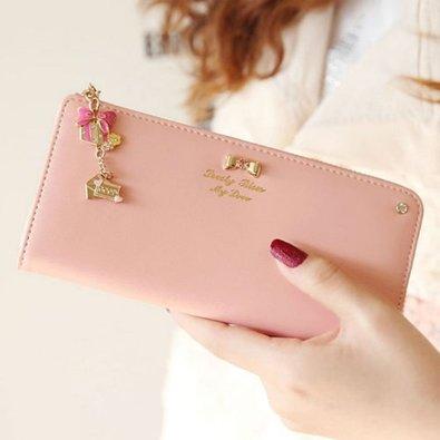 いつものお店から憧れブランドまで!大人かわいいおすすめ長財布♩のサムネイル画像