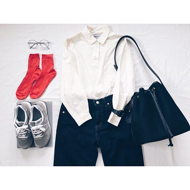 春夏コーデは、白シャツとジーンズのこなれコーデで決まり♡のサムネイル画像