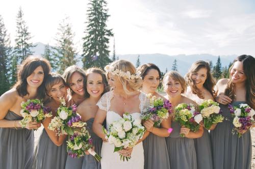 ジューンブライド目前!結婚式二次会に着ていく最旬服装は?のサムネイル画像
