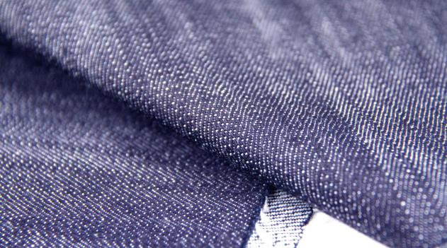 【厳選!!】おしゃれな人はもう着てる素敵なデニムスーツ!のサムネイル画像