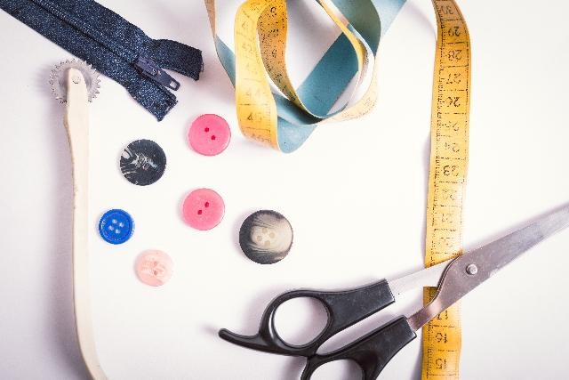 簡単おしゃれにハンドメイド!便利なポシェットの作り方をご紹介のサムネイル画像