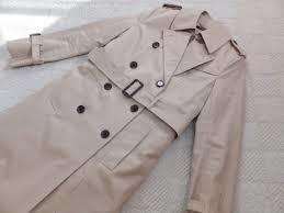 レディーススーツによく合うトレンチやリバーシブルコートをご紹介!のサムネイル画像