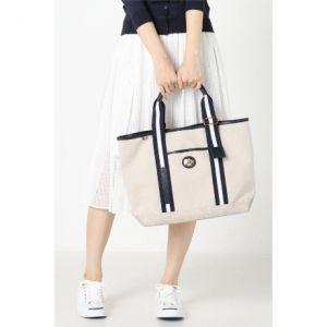 軽くてオシャレ!オトナ女子のためのオロビアンコのトートバッグ特集のサムネイル画像