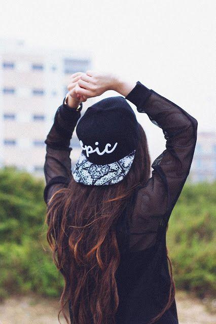 キャップスタイルがブーム!かっこかわいいニューエラのかぶり方のサムネイル画像