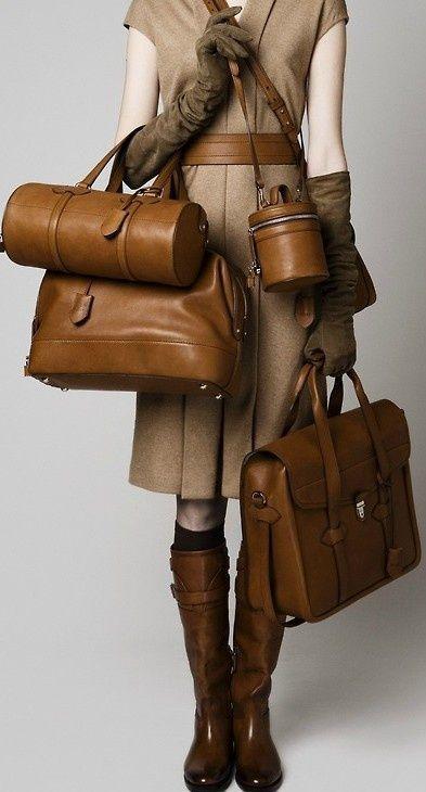 梅雨の前、まだまだ間に合う大切な革鞄のザ・シンプル手入れ術のサムネイル画像