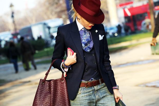 スーツの種類はとても多い!大人の魅力を最大限引き出せるスーツとはのサムネイル画像