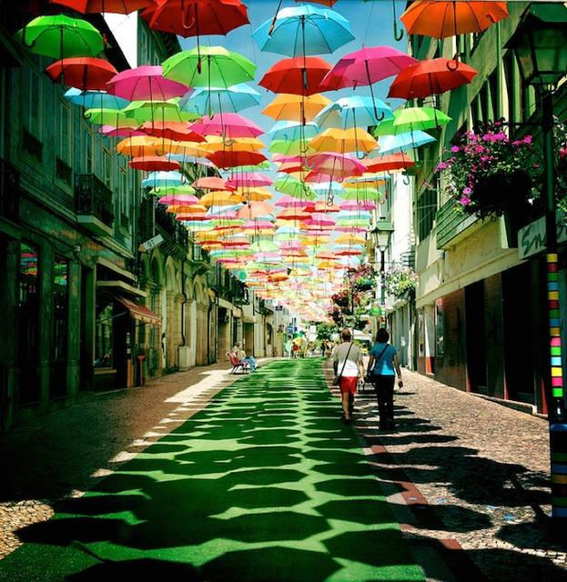 おしゃれで撥水効果抜群の傘で、雨の日の外出を楽しくしよう♪のサムネイル画像