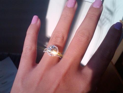 【困った】取れない指輪をスルッと、魔法のように外す方法。のサムネイル画像