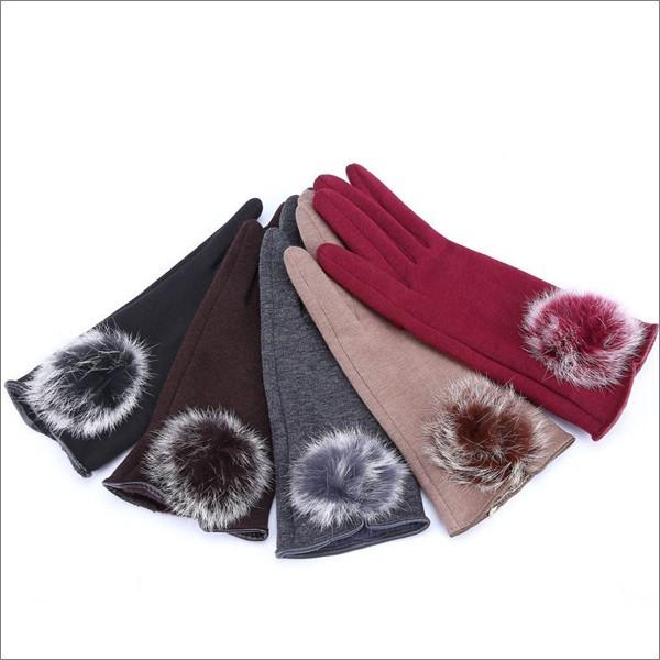 スマホ対応おしゃれなレディース手袋で冬でも楽々スマホ操作♪のサムネイル画像