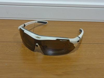 セレブな有名人も御用達?きっと欲しくなる眼鏡市場のサングラスのサムネイル画像