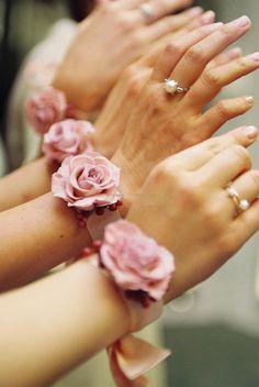 お呼ばれゲスト向け!結婚式の2次会で着ていく服装ブランド4選♪のサムネイル画像
