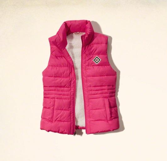 ダウンジャケットのベストはどう着る?参考になるコーデ集めました!のサムネイル画像