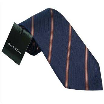 誰にでも似合うネイビーのブランドネクタイはプレゼントに最適!  のサムネイル画像