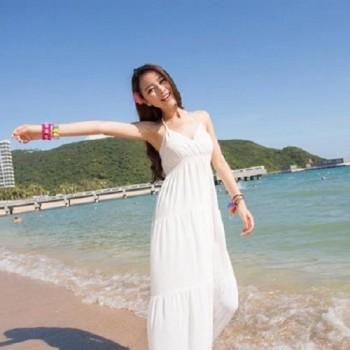 夏に活躍する白いロングドレス。フォーマルからカジュアルまで。のサムネイル画像
