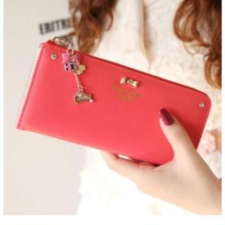赤い財布ってダメ?そんな事ないです。赤い長財布が素敵です。のサムネイル画像