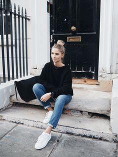 必要なのは黒セーター!冬はこれだけで最大限のおしゃれを楽しもう!のサムネイル画像