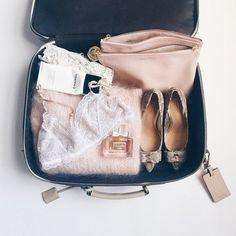 【永久保存版】必見!スーツケースをスッキリさせる入れ方特集の画像
