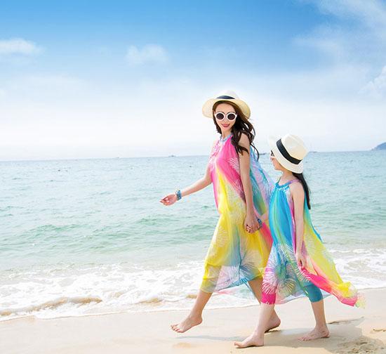 """友達、カップル、親子で楽しむ。""""お揃いコーデ服""""着こなし集のサムネイル画像"""