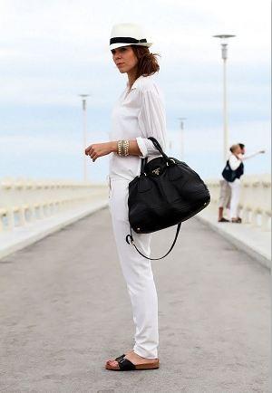 大人っぽく決めたい!上品で飽きのこない黒鞄を使いこなそう!のサムネイル画像