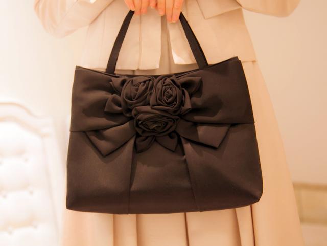 大人女子なら一つは用意したい、フォーマルに使える上品バッグのサムネイル画像