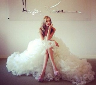 純白のウェディングドレスで人生で最高に美しい自分になろうのサムネイル画像