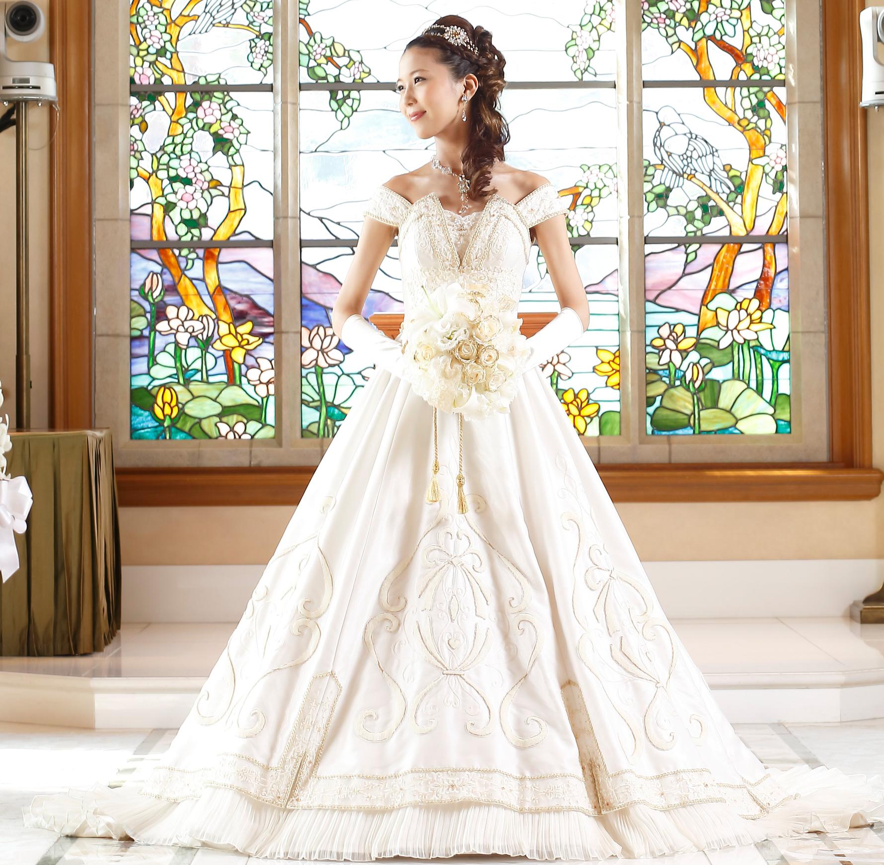 自分が一番似合うウェディングドレスの選び方のコツ教えますのサムネイル画像