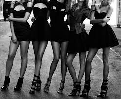 自分にぴったりのリトル・ブラックドレスを見つけてみませんか?のサムネイル画像