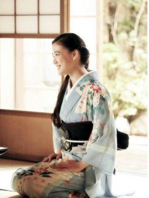 ≪和服美人≫ 着物は女性の女っぷりをあげてくれる魔法の衣装のサムネイル画像