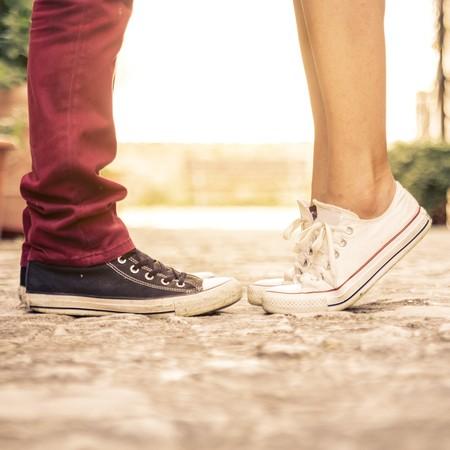 お揃いは足元から!靴でさりげなくアピールしちゃいましょう!のサムネイル画像
