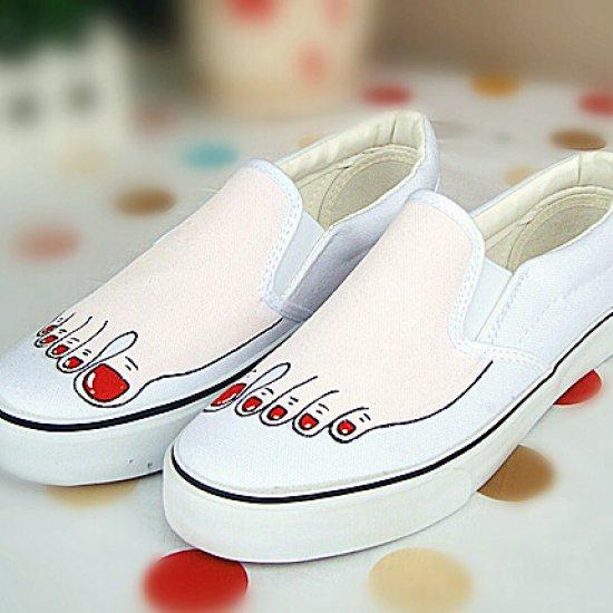 クスッと笑っちゃうものから二度見してしまうほどのおもしろ靴のサムネイル画像